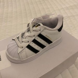 Brand New Adidas Superstar Shoes Kids Size 5